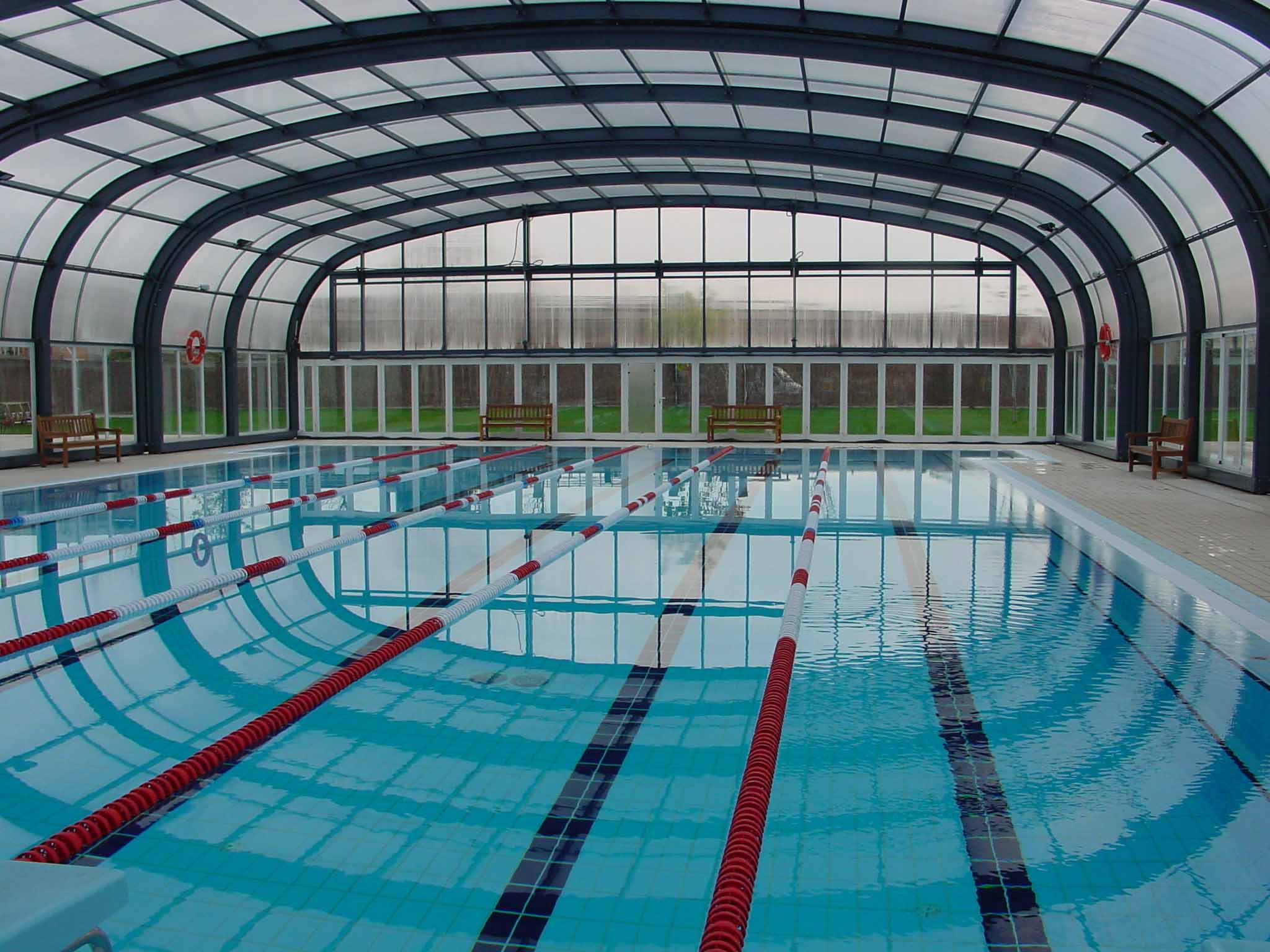 La piscina coberta de balaguer romandr tancada fins dem for Piscina coberta