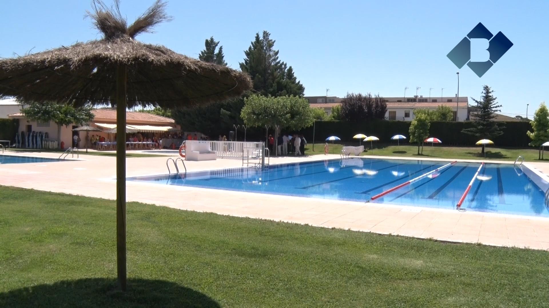 T rmens inaugura la reforma de les piscines municipals for Piscines lleida