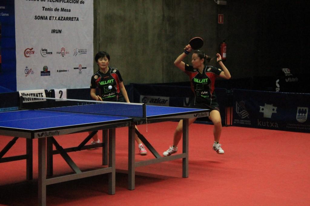 Yan Lan Li i Ting Ting Wang en un moment del partit de dobles (Autor: CTT Balaguer)