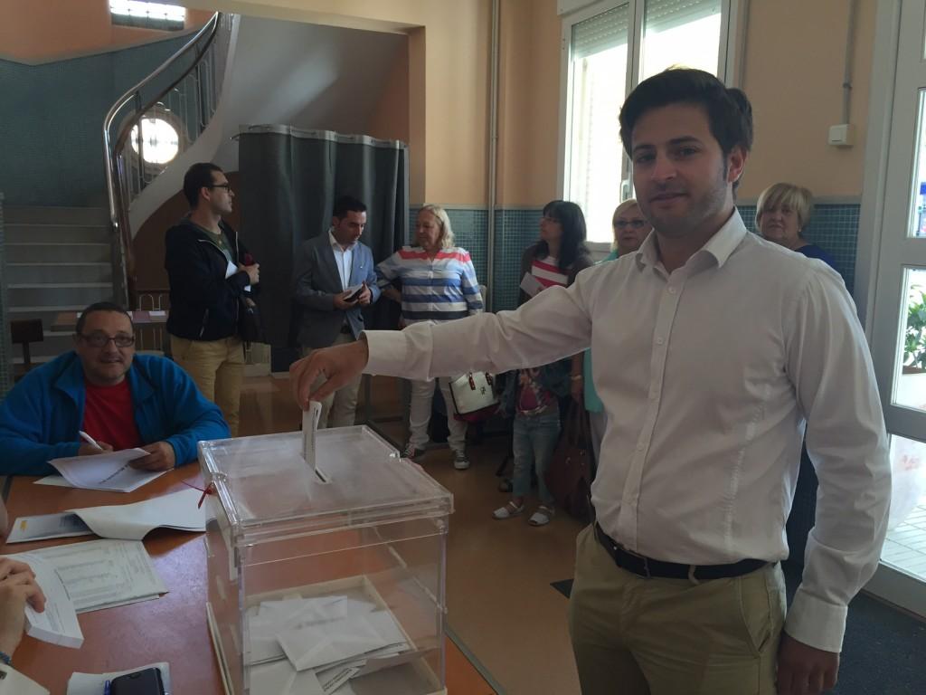 Albert López candidat de C's, exercint el seu vot (Autor: Balaguer Televisió)