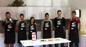Cuinetes: La mona dels alumnes de la UEC de Balaguer