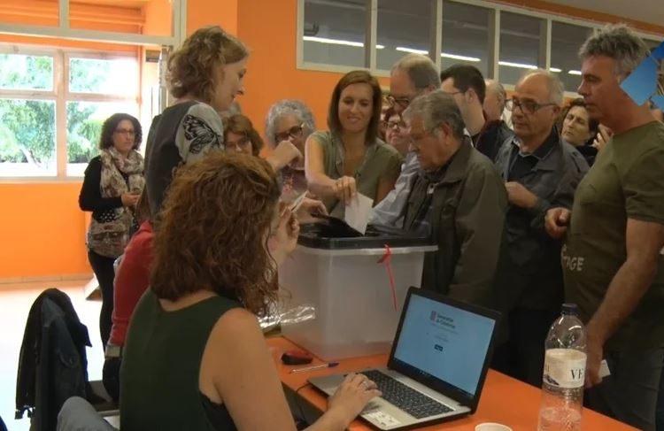 UN ANY DE L'1-O: Dos milions de catalans voten 'sí' a la República en un referèndum marcat per l'acció policial