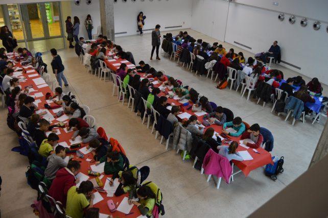 Una selecció d'alumnes dels centres balaguerins participen a la fase final del 31è Certamen literari 'Sant Jordi'
