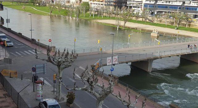 Tornen a tancar els accessos al riu Segre al seu pas per Balaguer per la crescuda del seu cabal