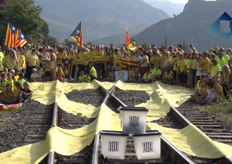 Acció dels CDR a l'encreuament de vies de l'estació de Sant Llorenç de Montgai, escenari de l'anunci de l'1-O