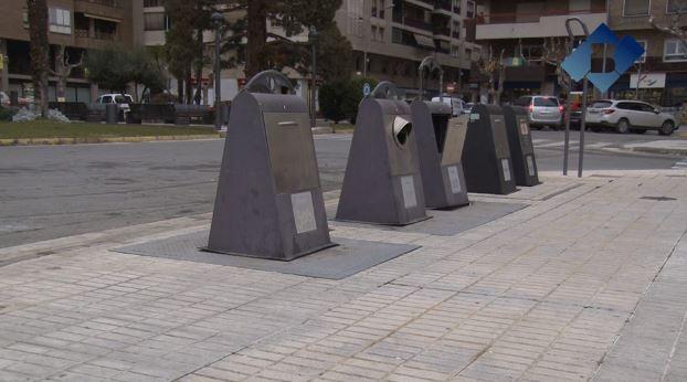 L'Ajuntament de Balaguer ha començat la reparació dels contenidors soterrats de la ciutat