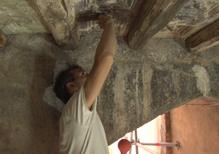 L'Ajuntament de Montgai restaura el sostre de l'entrada antiga del poble