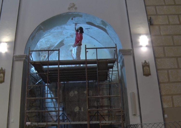 Inici de la segona fase de restauració de les pintures barroques de l'església de Butsènit