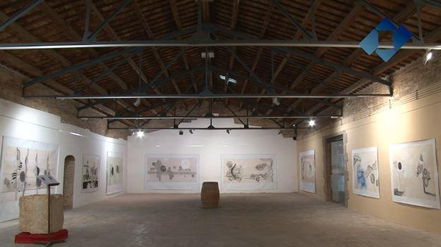 Albert Minoves exposa les seves obres de gran format a l'espai d'exposicions del Castell del Remei