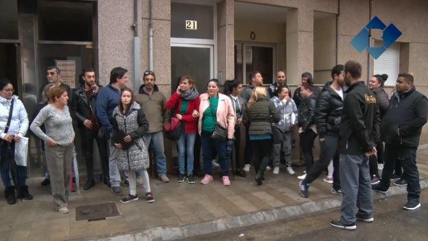 L'Ajuntament de Balaguer i la PAH aturen el desnonament d'una família