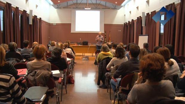 Conferència adreçada a docents per ensenyar als infants a pensar matemàticament