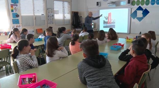 Alumnes de l'Escola la Noguera coneixen la ciutat amb el projecte 'Balaguer, el meu entorn'