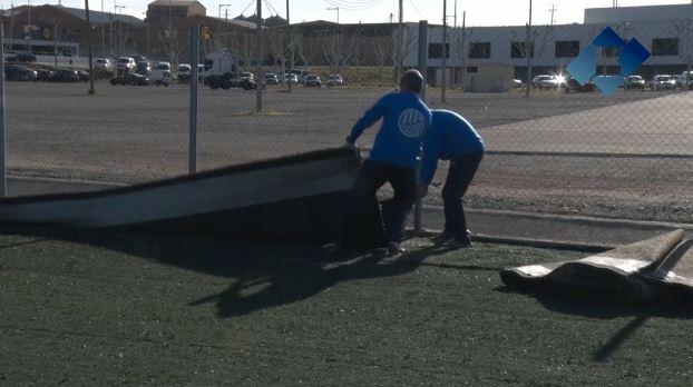 Finalitza la instal·lació de la gespa artificial del nou camp annex de futbol