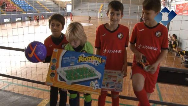 Esport, joguines solidàries i donació de sang al poliesportiu
