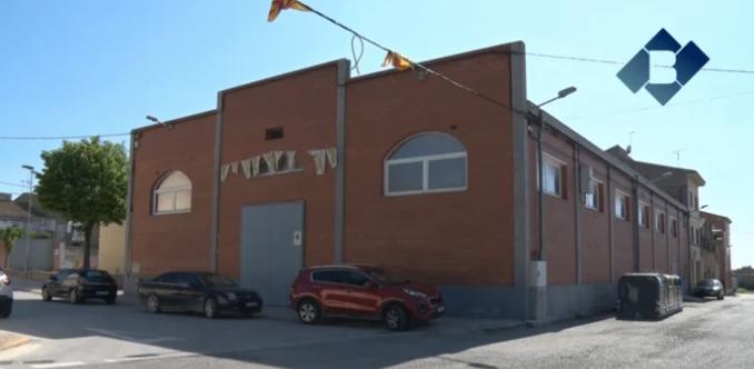"""El poliesportiu de Vallfogona s'anomenarà """"Pavelló Meritxell Serret"""""""