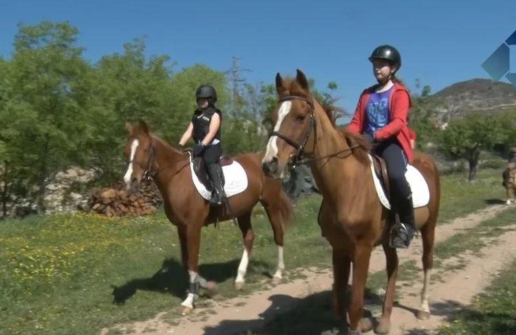 Campus d'equitació a la hípica Els Serrats d'Os de Balaguer