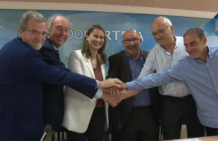 La cooperativa d'Artesa de Segre signa un acord amb l'empresa Borges per la producció de festucs