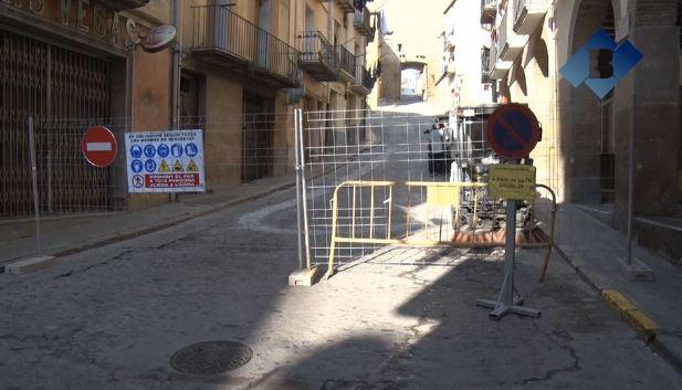 Comença el desplaçament de la línia de mitja tensió que impedia l'inici d'obres del carrer de la Botera