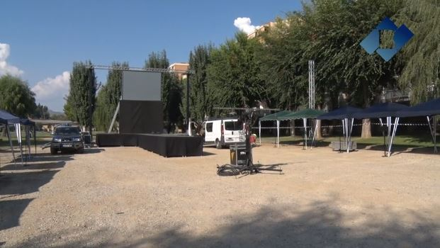 """Tot a punt per la 1a festa del """"Comerç a la fresca"""" de Balaguer"""