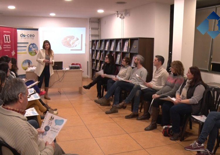 """La Biblioteca Margarida de Montferrat acull el cicle de tallers """"Educar amb coaching"""""""