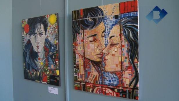 Mariola Roman exposa la seva obra a l'Escola Ermengol de Balaguer