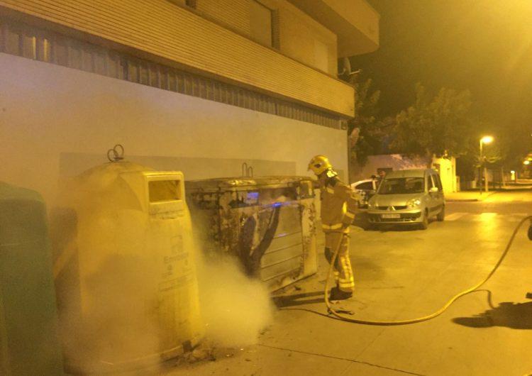 Cremen dos contenidors aquesta matinada a Balaguer