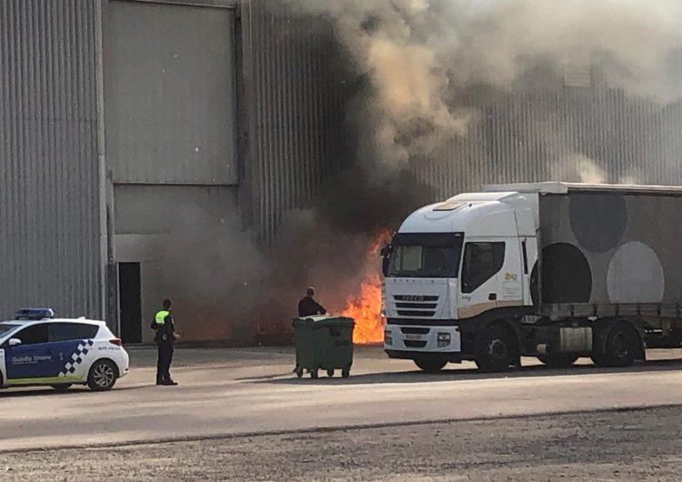 Alarma per un petit incendi al pavelló Inpacsa de Balaguer