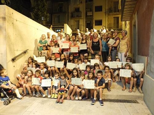 Cinquanta infants de Balaguer aprenen aquest estiu a ballar sardanes