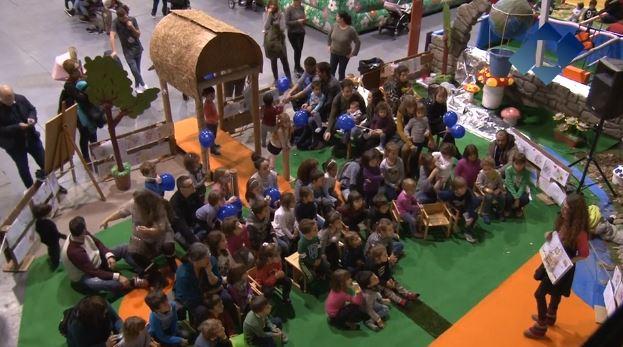 L'Institut Dental la Noguera porta contes amb valors al parc de Nadal de Balaguer