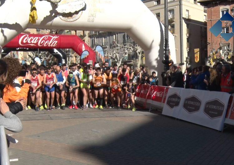 Xavier Tomassa i Katherine Jane guanyen la Mitja Marató de Balaguer