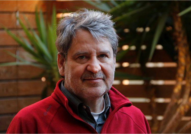 Francesc Puigpelat guanya el Premi Carlemany per al Foment de la Lectura amb 'La nedadora'