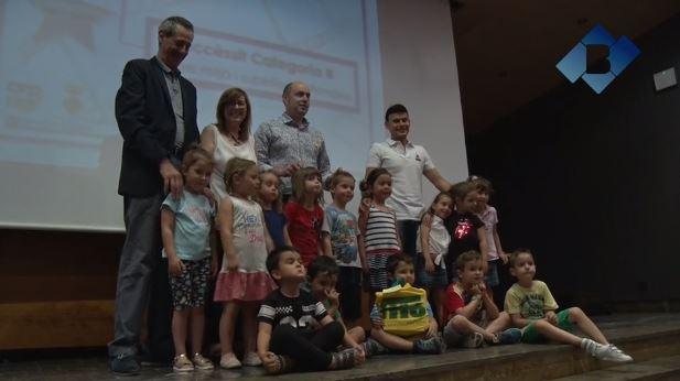 La sala d'actes de l'Ajuntament de Balaguer acull l'acte de cloenda de les activitats del pla de dinàmica educativa municipal i comarcal