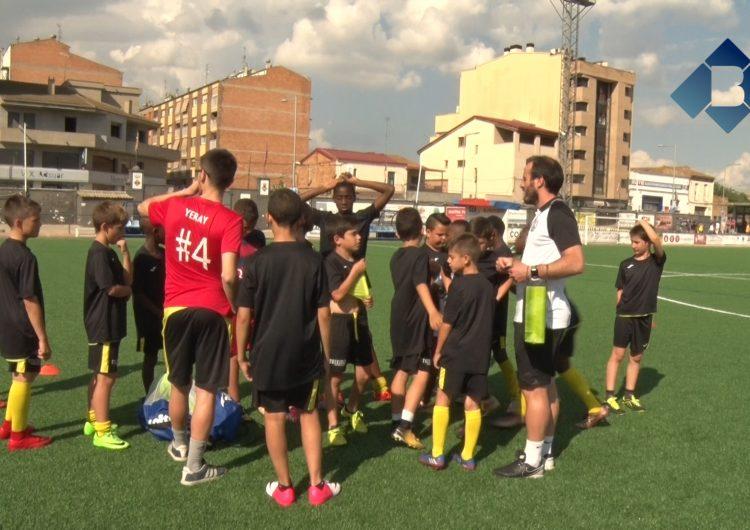 L'escola del CF Balaguer celebra una jornada de portes obertes