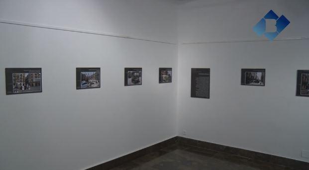 """La sala d'exposicions de l'Ajuntament acull la mostra """"Remira! Imatges joves de la Guerra Civil a Balaguer"""""""