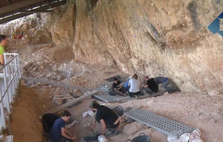 Excavacions a la Roca dels Bous obertes al públic