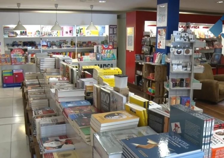 Bona previsió de vendes i àmplia oferta de llibres pel dia de Sant Jordi