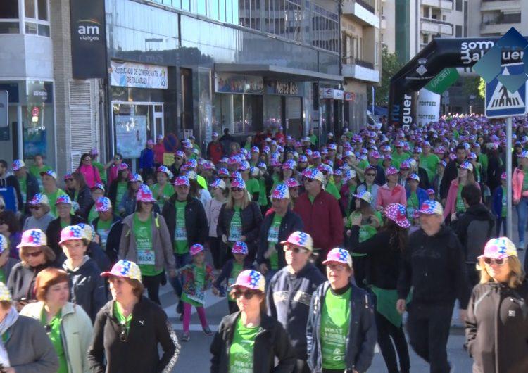 """Prop de 6.000 gorres venudes a Balaguer a la IV Festa """"Posa't la Gorra"""" per recaptar fons pel càncer infantil"""