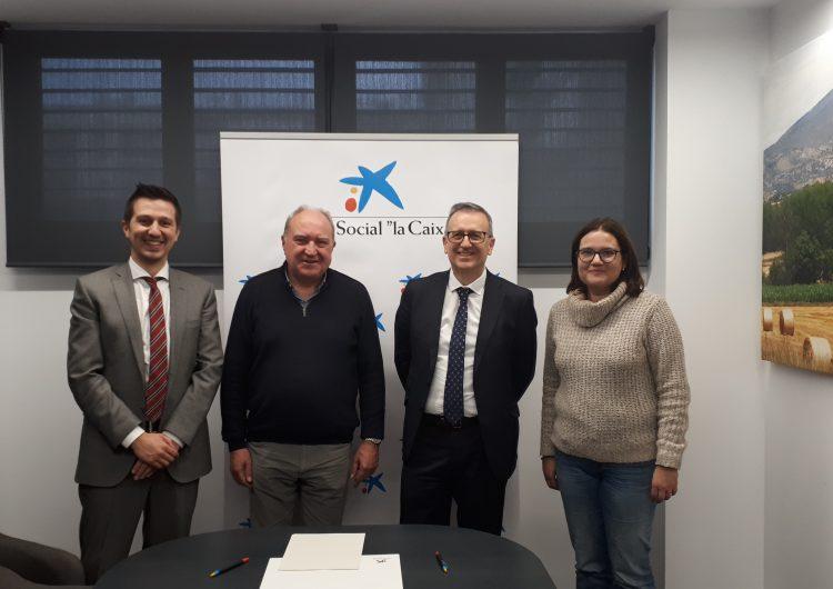 """Conveni de col•laboració de l'Obra social """"La Caixa"""" i el Centre de Sant Domènec de Càritas a Balaguer"""
