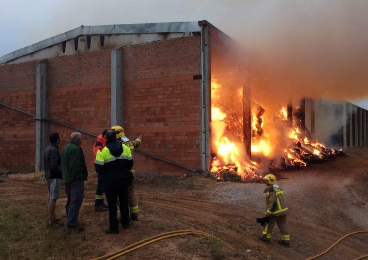 Incendi en un paller de Preixens