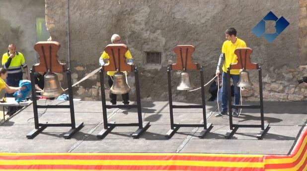 Os de Balaguer dedica un toc especial als polítics presos durant la XXXI Trobada de Campaners