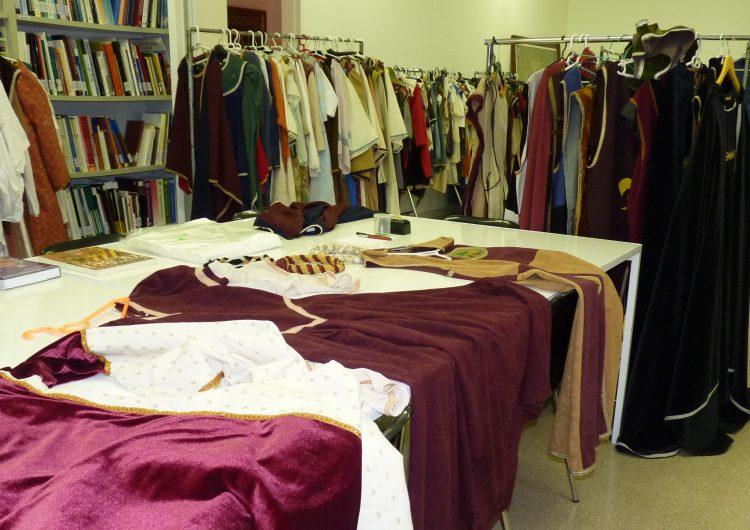 Els vestits medievals, a disposició al Museu de la Noguera