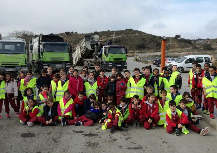 Els escolars de la Noguera visiten la deixalleria i el dipòsit controlat de residus