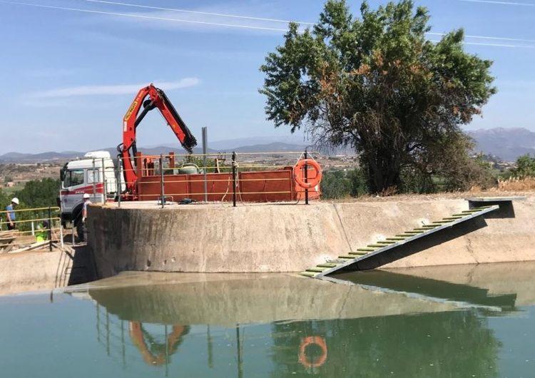 Agents Rurals i Endesa realitzen millores al canal de Balaguer per afavorir l'evacuació d'animals de la infraestructura