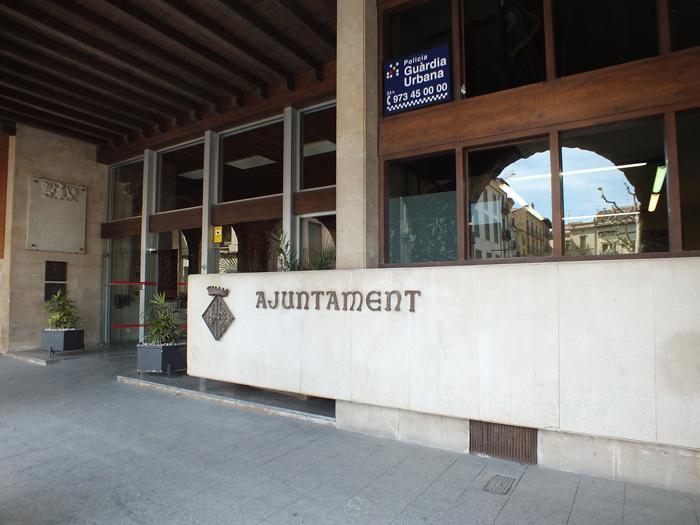 La Paeria de Balaguer prioritza l'atenció telefònica i digital