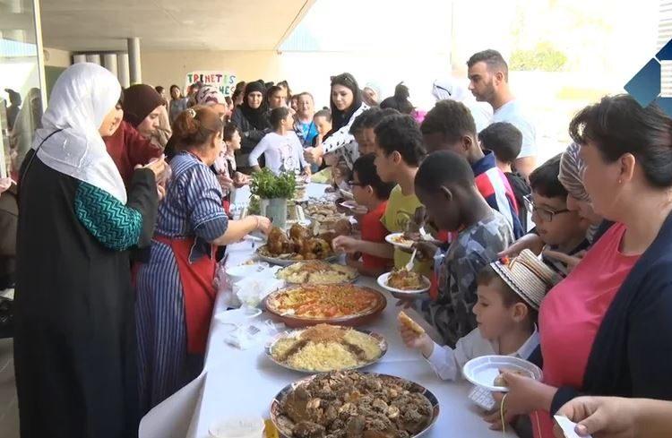Festa de cloenda del projecte interdisciplinari sobre multiculturalitat de l'Escola Àngel Guimerà de Balaguer