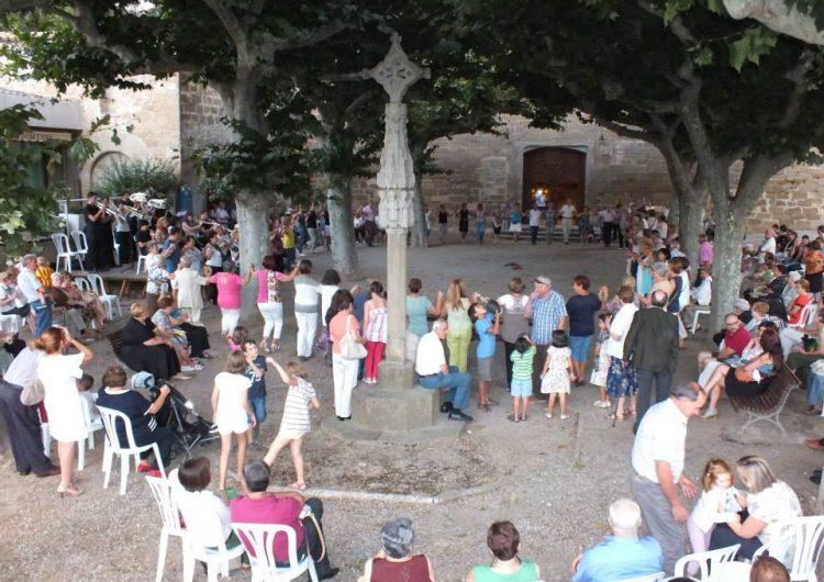 Balaguer celebra Sant Domènec amb la tradicional benedicció dels anisets i l'aigua fresca