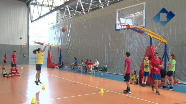 El Campus del Club Bàsquet Balaguer, que compta amb dos convidats especials, arriba a la quarantena de participants