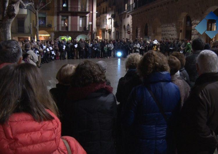 Llums i cants a Balaguer per reclamar la llibertat de Sánchez i Cuixart