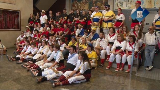 Balaguer celebra la VI Diada Bastonera amb un total de sis colles arribades d'arreu del territori