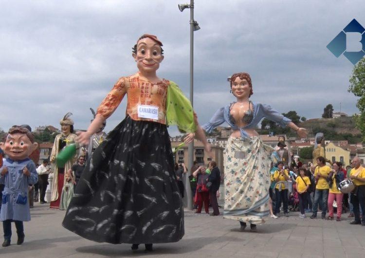 Balaguer celebra la IX Biennal Gegantera amb la participació de 16 colles